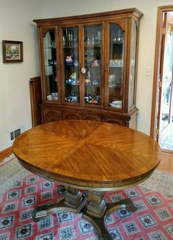 Dining Room Set with 6 chairs and Hutch